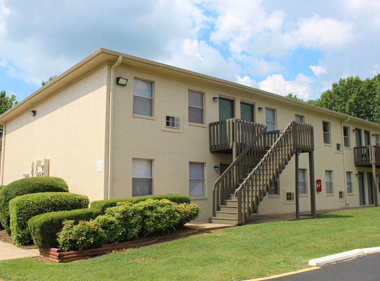 Tara Garden Apartments in Huntsville, Alabama with freshly painted exteriors