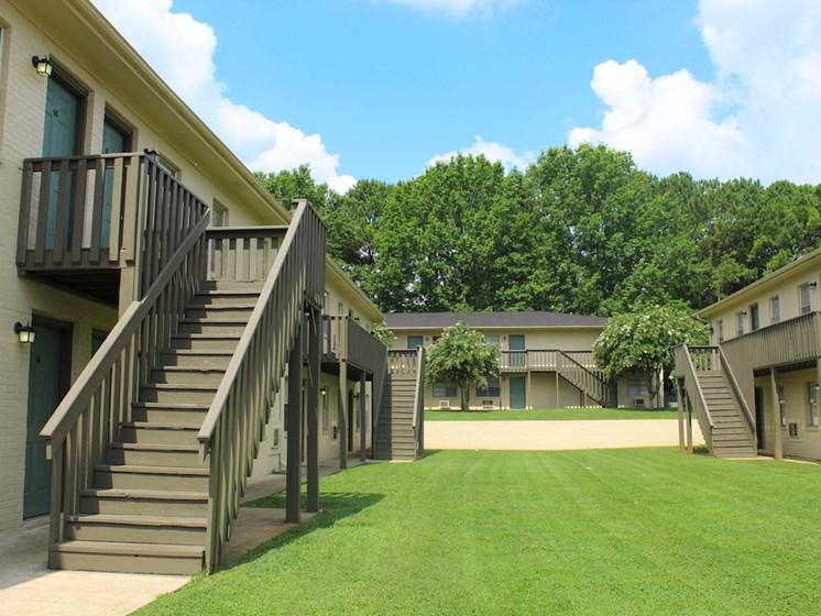 Tara Garden Apartments in Huntsville, Alabama offers residents a patio or balcony