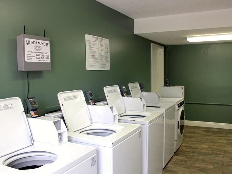 Tara Garden Apartments in Huntsville, Alabama laundry clothing care facility