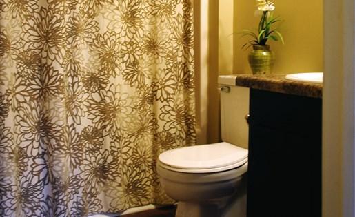 Tara Garden Apartments in Huntsville, AL 35806 bathroom