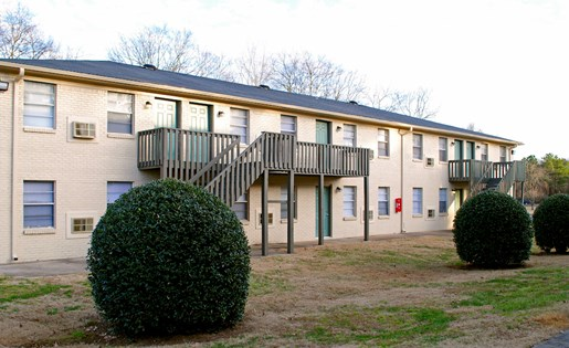 Tara Garden Apartments in Huntsville, AL 35806 balconies and patios