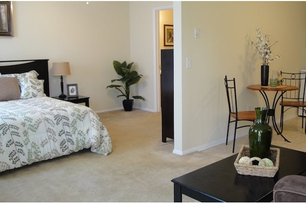 Tara Garden Apartments in Huntsville, AL 35806 furnished apartments available