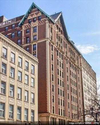 720 N Old World 3rd St 1-4 Beds Apartment for Rent Photo Gallery 1