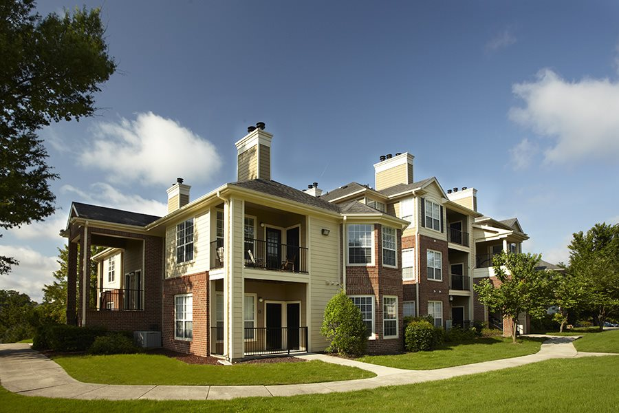 Apartments in Greensboro, NC - Bridford Lake Building View
