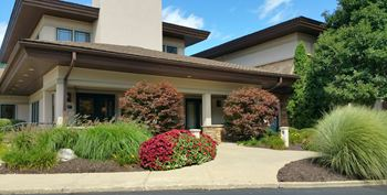 8850 Riverbend Parkway 1-2 Beds Apartment for Rent Photo Gallery 1