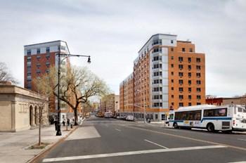 370 Courtlandt Avenue Studio-3 Beds Apartment for Rent Photo Gallery 1