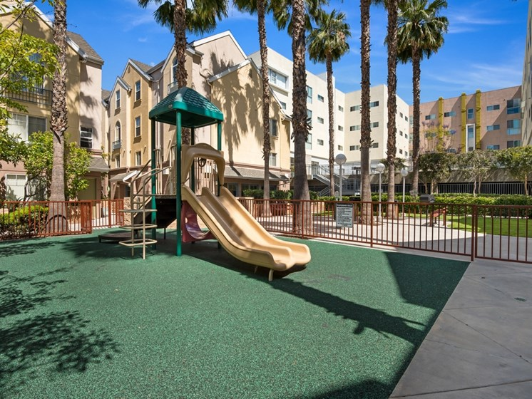 Playground-Carlton Court / Metro Hollywood Apartments Los Angeles, CA