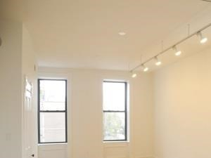 1836-38 S. Halsted St. Studio Apartment for Rent Photo Gallery 1