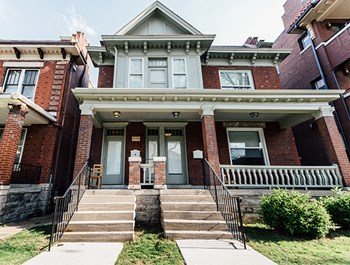 6139 Pershing Ave. 3 Beds Apartment for Rent Photo Gallery 1