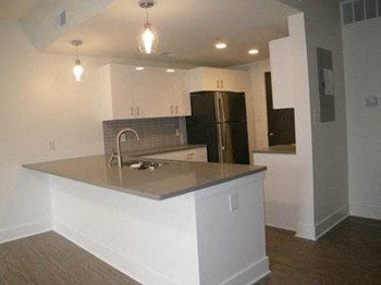 6679 Kingsbury Blvd. 1 Bed Apartment for Rent Photo Gallery 1