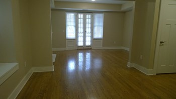 6054 Pershing Ave. 2 Beds Apartment for Rent Photo Gallery 1