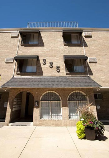 335 Sherman Street 1-2 Beds Apartment for Rent Photo Gallery 1
