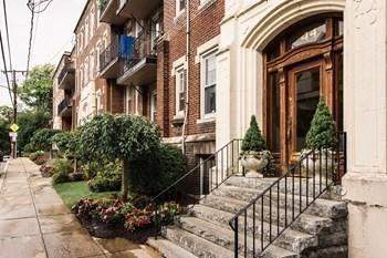 36-44 Quint Avenue Studio Apartment for Rent Photo Gallery 1