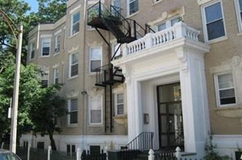 76 Gordon Street Studio Apartment for Rent Photo Gallery 1
