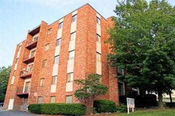 148 Newbury Avenue 1 Bed Apartment for Rent Photo Gallery 1