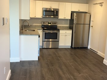 433-439 Willard Street 1 Bed Apartment for Rent Photo Gallery 1
