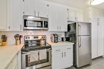 600 East Olive Ave 1-3 Beds Apartment for Rent Photo Gallery 1