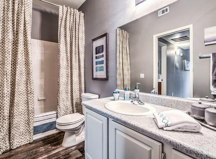 Copper Creek Apartments Cedar Creek Bathroom