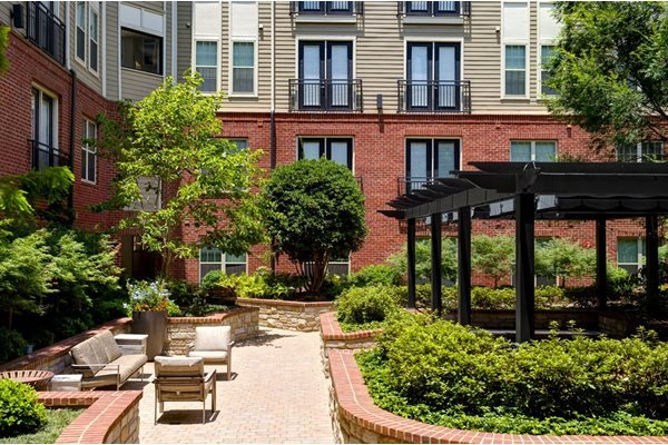 Courtyard at Riverwood apartments, GA, 30339