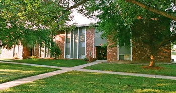 8220 S. 87th Street 1-3 Beds Apartment for Rent Photo Gallery 1
