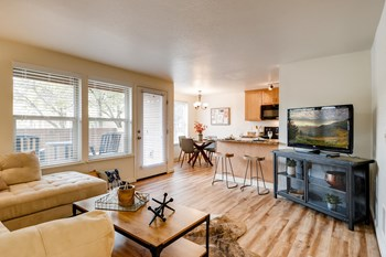 13674 SE 145Th Ave 1-2 Beds Apartment for Rent Photo Gallery 1