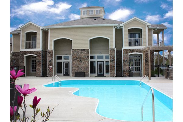 Resort-style Swimming Pool with wraparound sundeck, The Residences at Liberty Crossing in Columbus, OH
