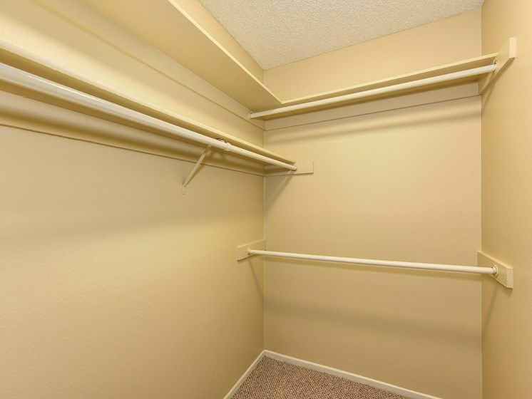 Luxury Apartment Community Extended Closet