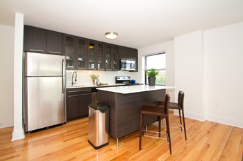 633 W Rittenhouse Street 1 Bed Apartment for Rent Photo Gallery 1