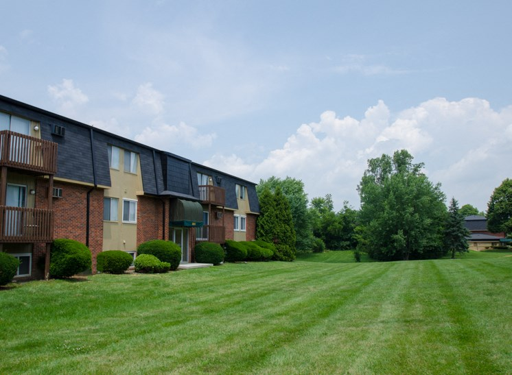 Apartments in Fairborn, OH Landscaping