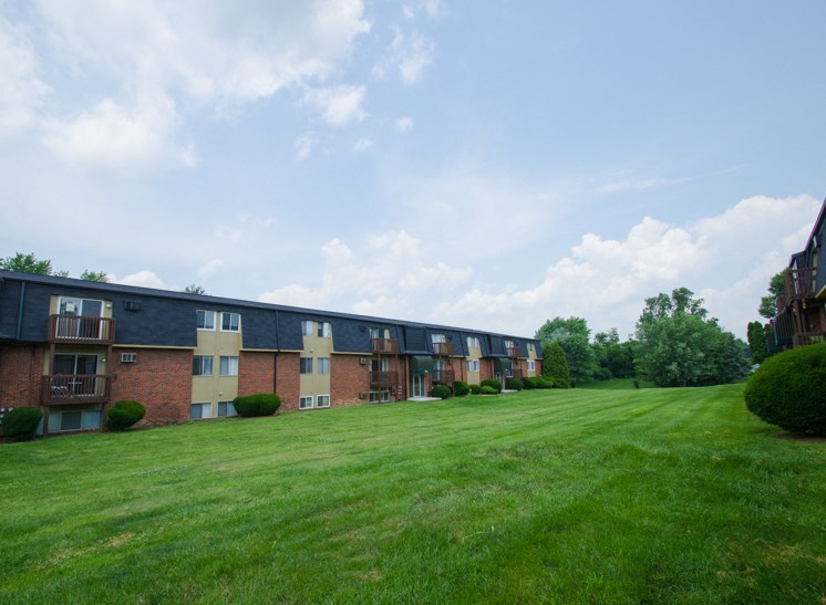 Apartments in Fairborn, OH Field