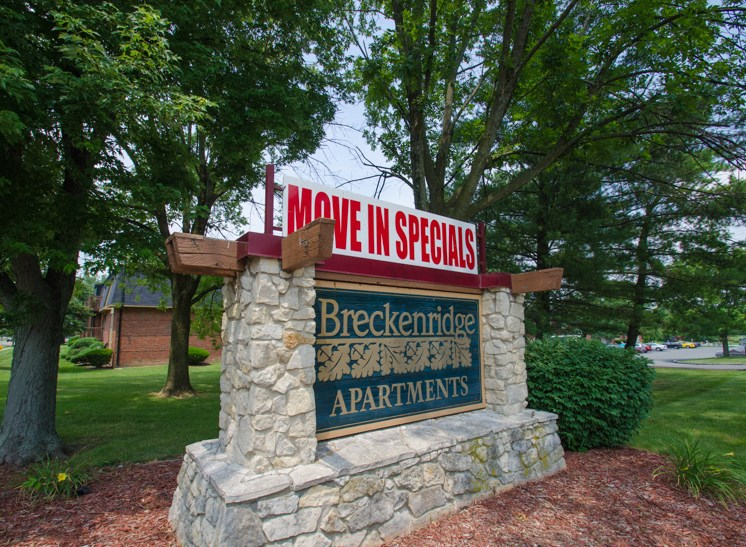 Apartments in Fairborn, OH Sign