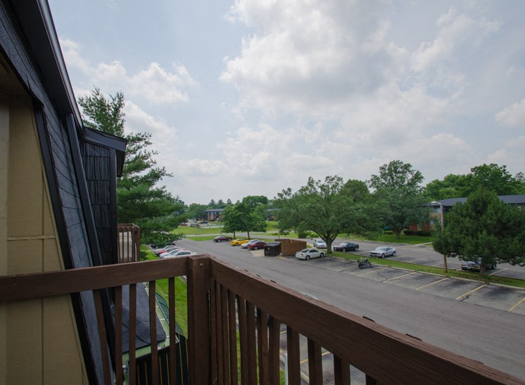Apartments in Fairborn, OH Deck