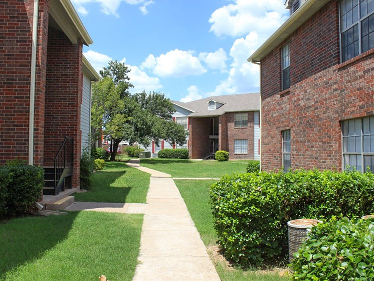 walkway at Willowpark Apartment Homes in Lawton OK