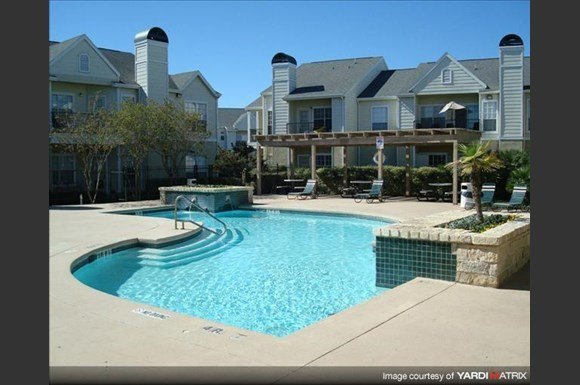 Three Fountains Apartments 7935 Pipers Creek San Antonio