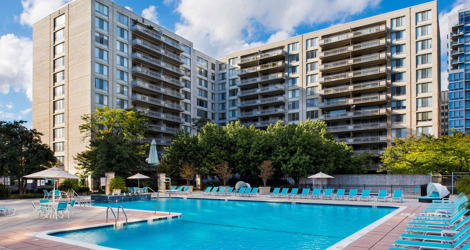 Crystal Plaza Apartments In Arlington Va