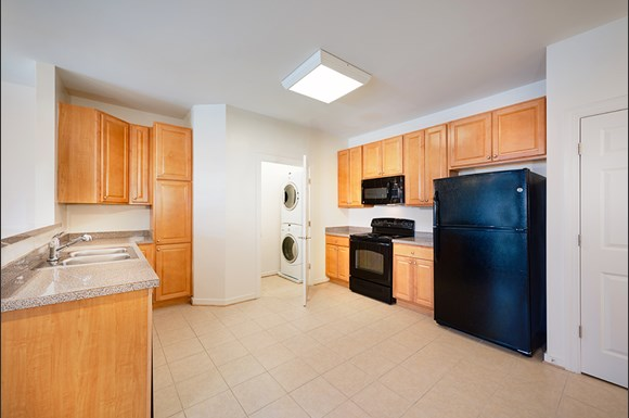 Reid S Prospect Apartments 4640 Daisy Reid Avenue