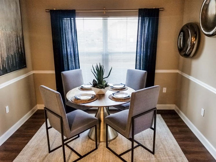 Dining Room with a View at Cumberland Place Apartment Homes, Tyler, Texas, 75703