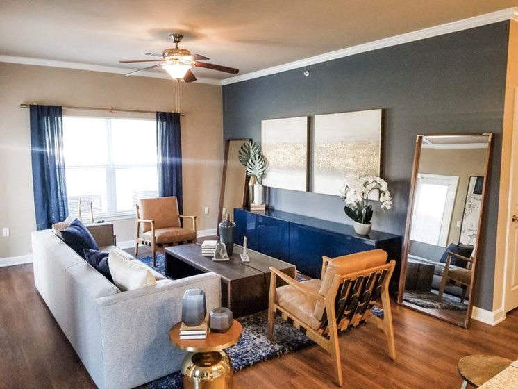 Open Living Room at Cumberland Place Apartment Homes, Tyler, 75703