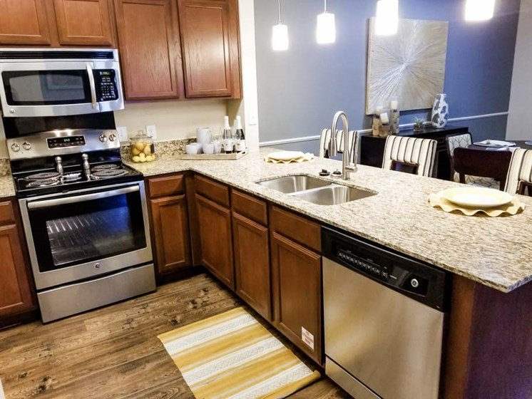 Kitchen Appliances at Cumberland Place Apartment Homes, Tyler, 75703