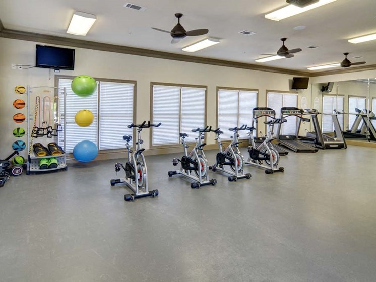 Large Fitness Center at Cumberland Place Apartment Homes, Texas, 75703