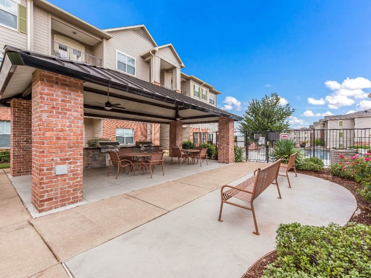 Outdoor Grill Area at Cumberland Place Apartment Homes, 75703