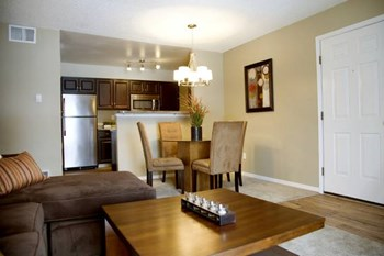 1121 West Prospect Road Suite 110 1 Bed Apartment for Rent Photo Gallery 1