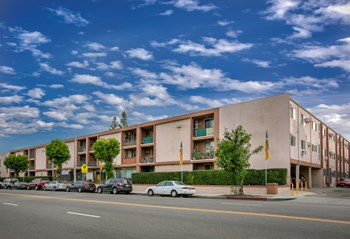 17550 Burbank Blvd. 2 Beds Apartment for Rent Photo Gallery 1