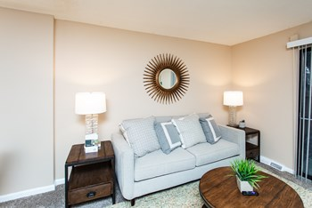 1690 Bob-O-Link Bend 1-2 Beds Apartment for Rent Photo Gallery 1