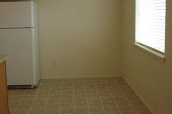501 Briarwood #1-8 2 Beds Apartment for Rent Photo Gallery 1