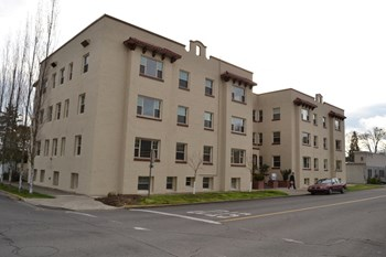 38 N. Oakdale #1-31 1 Bed Apartment for Rent Photo Gallery 1