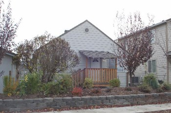 741 Diamond St. 2 Beds House for Rent Photo Gallery 1