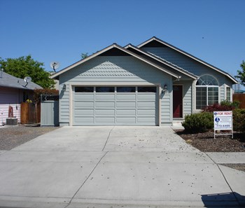 3011 Gary Dr. 3 Beds House for Rent Photo Gallery 1