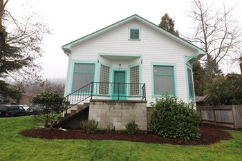 303 N. Main St. 3 Beds House for Rent Photo Gallery 1