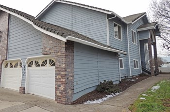 571,573,575,577 Briarwo 2 Beds Apartment for Rent Photo Gallery 1